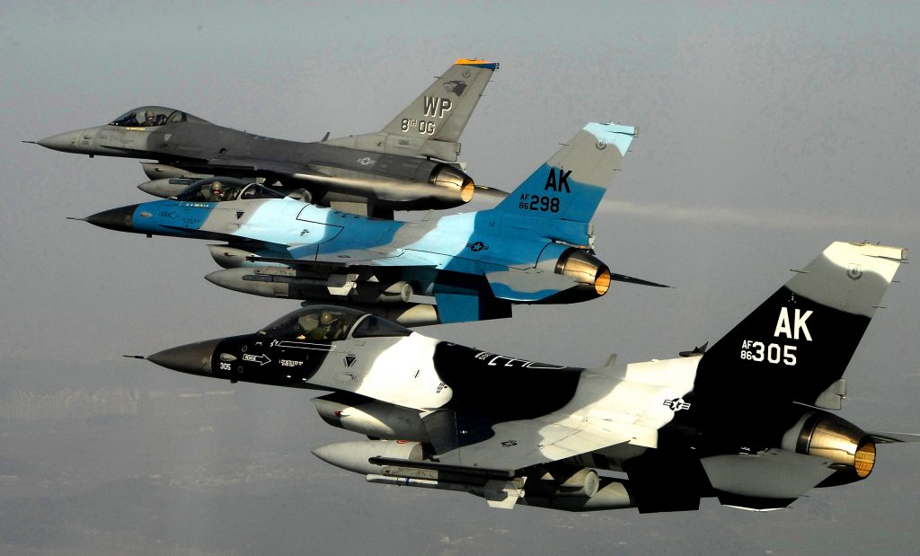 F16 Fighting Falcons